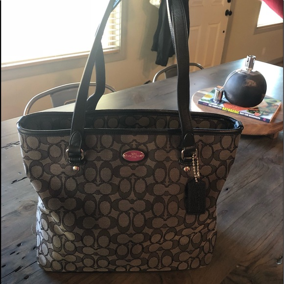 3ac593b676 ... where can i buy brand new never been used coach purse black 05618 34bd6